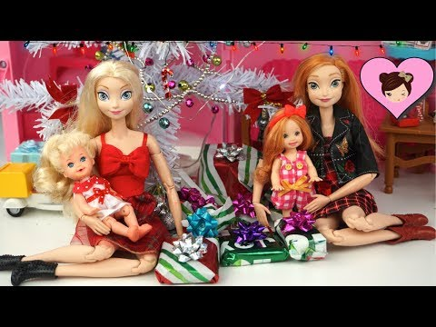 Frozen Toddler Elsa & Anna Christmas Morning Opening Gifts in Barbie Dollhouse