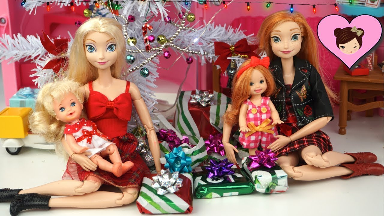Frozen Toddler Elsa & Anna Christmas Morning Opening Gifts in Barbie ...