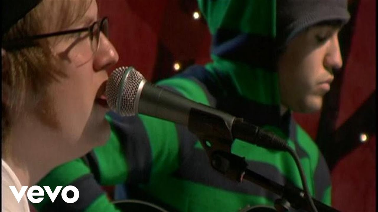 fall-out-boy-thnks-fr-th-mmrs-unplugged-for-vh1com-falloutboyvevo