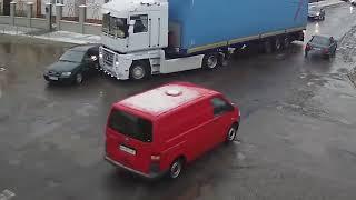 Смотреть видео Россия Зима аварии ДТП снятые на камеру #3 Csr crash онлайн