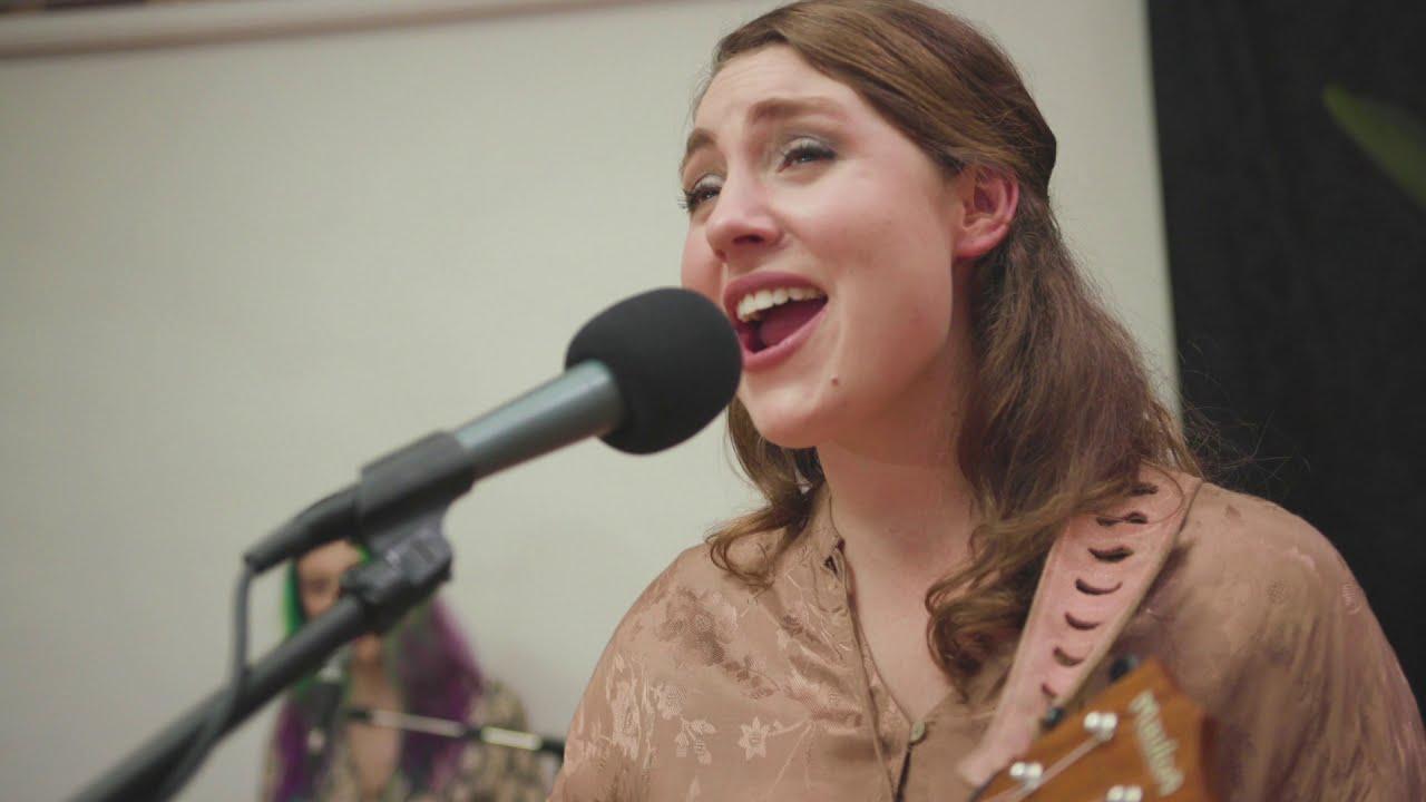 "Elise Boulanger  - ""It Started in the Garden"" (Live)"