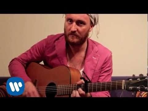 "THE MONIKER ""Last Forever"" (live acoustic version) from the album ""Maktub"""