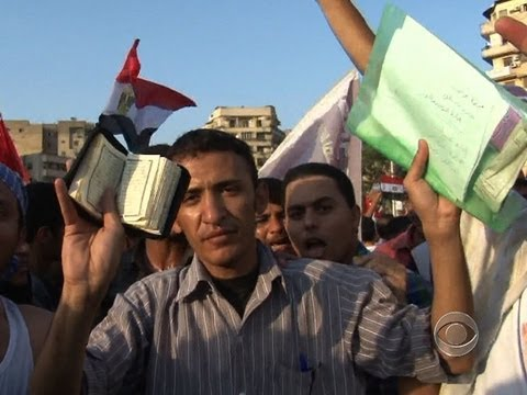 CBS Evening News With Scott Pelley - Anti-military Protests Rage In Egypt's Tahrir Square