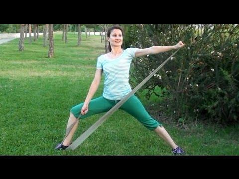 Ejercicios para adelgazar brazos con banda elastica