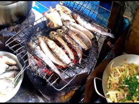 asian-street-food---breakfast-at-a-street-food-stall-in-phnom-penh