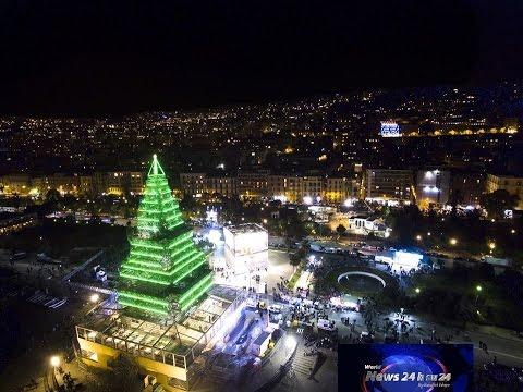 Albero Di Natale Napoli.Napoli Inaugurato N Albero L Albero Di Natale Piu Alto Del Mondo Youtube