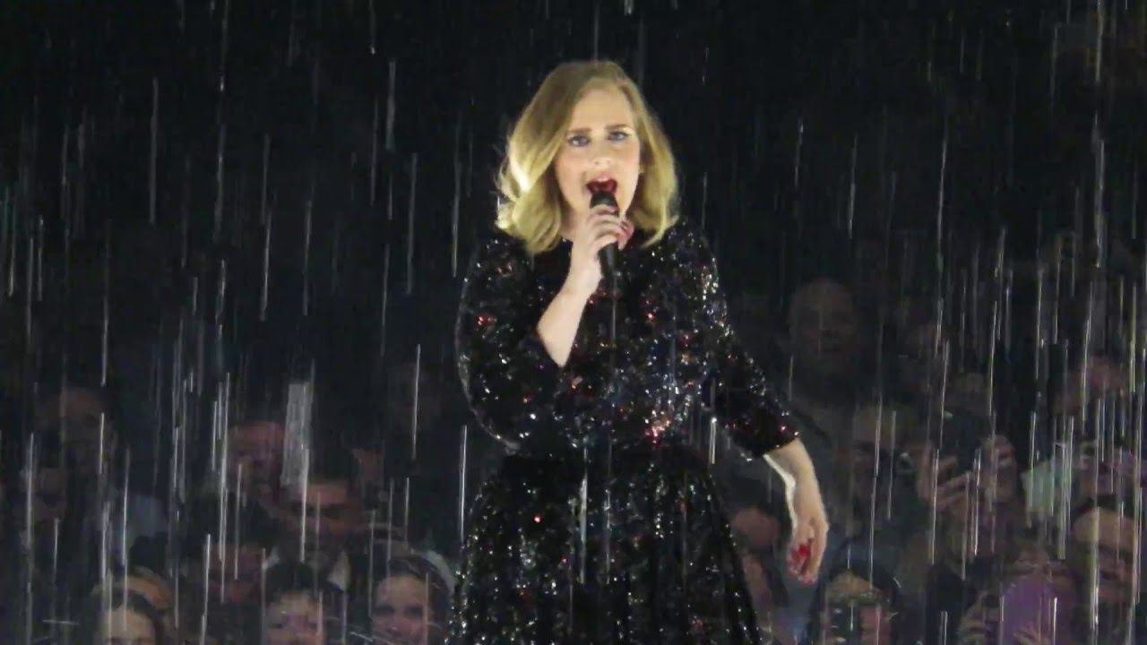 Adele - Set Fire to The Rain live at The O2 Arena 22/3/16