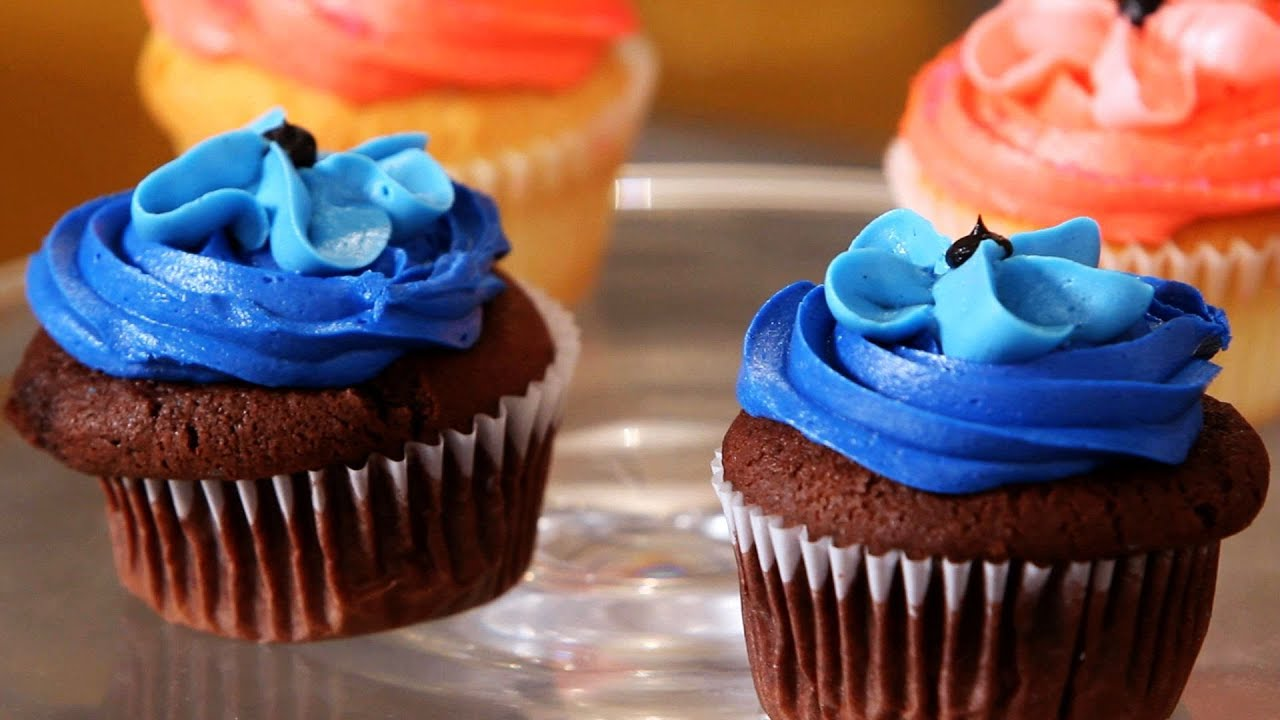 Make Baby Boy Cupcakes For A Shower Cupcake Tutorials Youtube