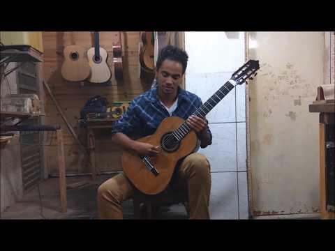 Apresentação do Violão Artesanal Luthier Marciano - Playing Guitar