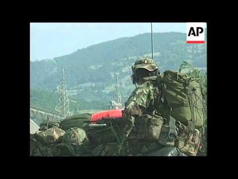 YUGOSLAVIA: KOSOVO: NATO TROOPS ENTER KOSOVO: HANDOVER