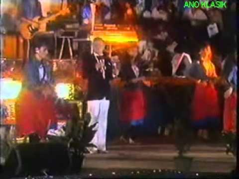 DIKAU PUJAAN - AHMAD JAIS & THE ZURAH II