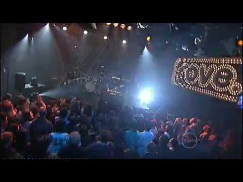 Wolfmother - New Moon Rising Live On Rove
