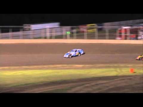 Kyle Berck Modified Heat Race Junction Motor Speedway 08/12/11
