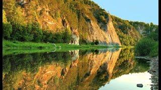 Бутырка.- Зеркалом блестит река.