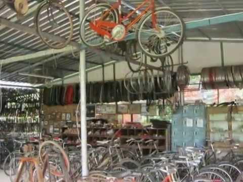 บรรยากาศในร้านจักรยานโบราณสะพานใหม่ www.boranbike.com