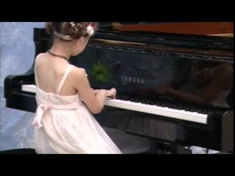 Klara Khomskii, 6 years old, Peter de Grote Festival 2015