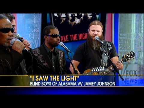 "Live Performance: Blind Boys of Alabama, Oak Ridge Boys, and Jamey Johnson Sing ""I Saw the Light"""
