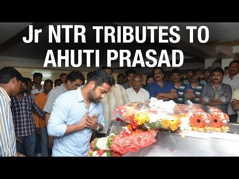 Jr NTR and Tollywood celebrities pays...