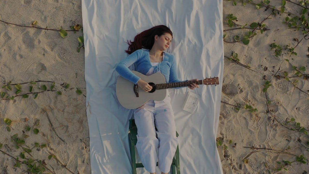 "Celeina Ann - ""Moon"" 【OFFICIAL MUSIC VIDEO】"