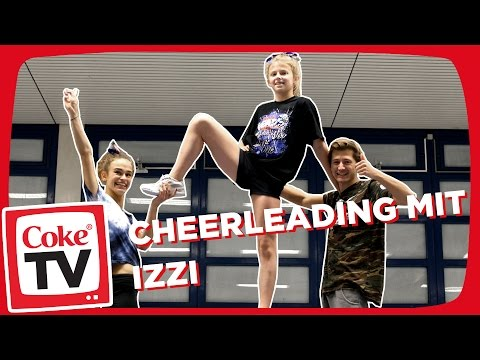 izzi & Amissmelle beim Cheerleading | #CokeTVMoment