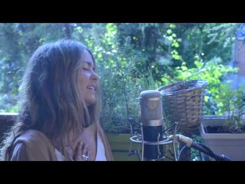 Sofia Ellar & Javi Rubio - Jolene (acoustic cover)