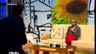 Repeat youtube video АЗЕРБАЙДЖАНСКИЙ Гей ,про Гей  -парад В Баку 2012 (4)