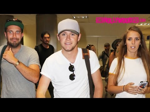 Niall Horan Of One Direction Is Greeted By Fans While Arriving To LAX Airport 8.2.16