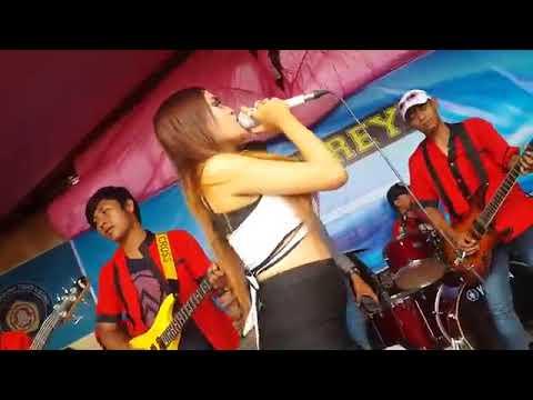 live mantap  !! Goyang Hot Bidadari Kesleo Dangdut Koplo Terbaru