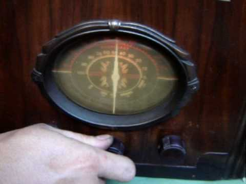 Antigua Radio Capilla Funcionando a la Perfección