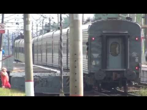 Электровоз ВЛ10-1130 с грузовым и ЭП20-004 с поездом. Экстренное у ЭП20.