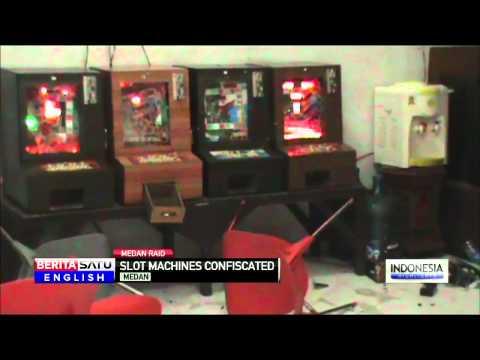 Medan Police Raid Illegal Gambling Den, Seize Slot Machines, Narcotics
