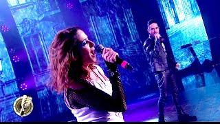 Laura Novoa y Pato Arellano cantaron el clásico