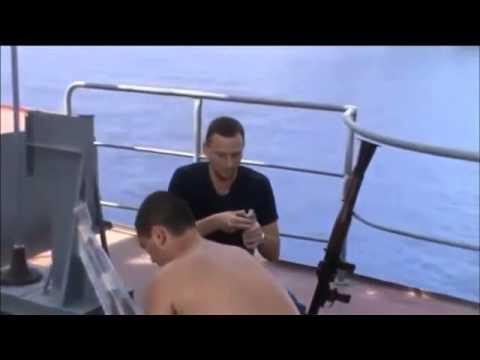 قراصنة صوماليين أرادوا خطف سفينة لكن حظهم طلع أغبر