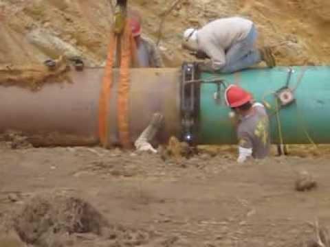 Welding a joint in the Keystone pipeline in Texas