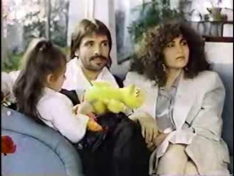 DIEGO VERDAGUER, AMANDA MIGUEL Y ANA VICTORIA DE 6 AÑOS CON SARI BERMUDEZ.
