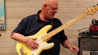 Demo: Fender Player Series P Bass, Buttercream Yellow