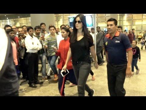 Katrina Kaif SPOTTED At Mumbai Airport.