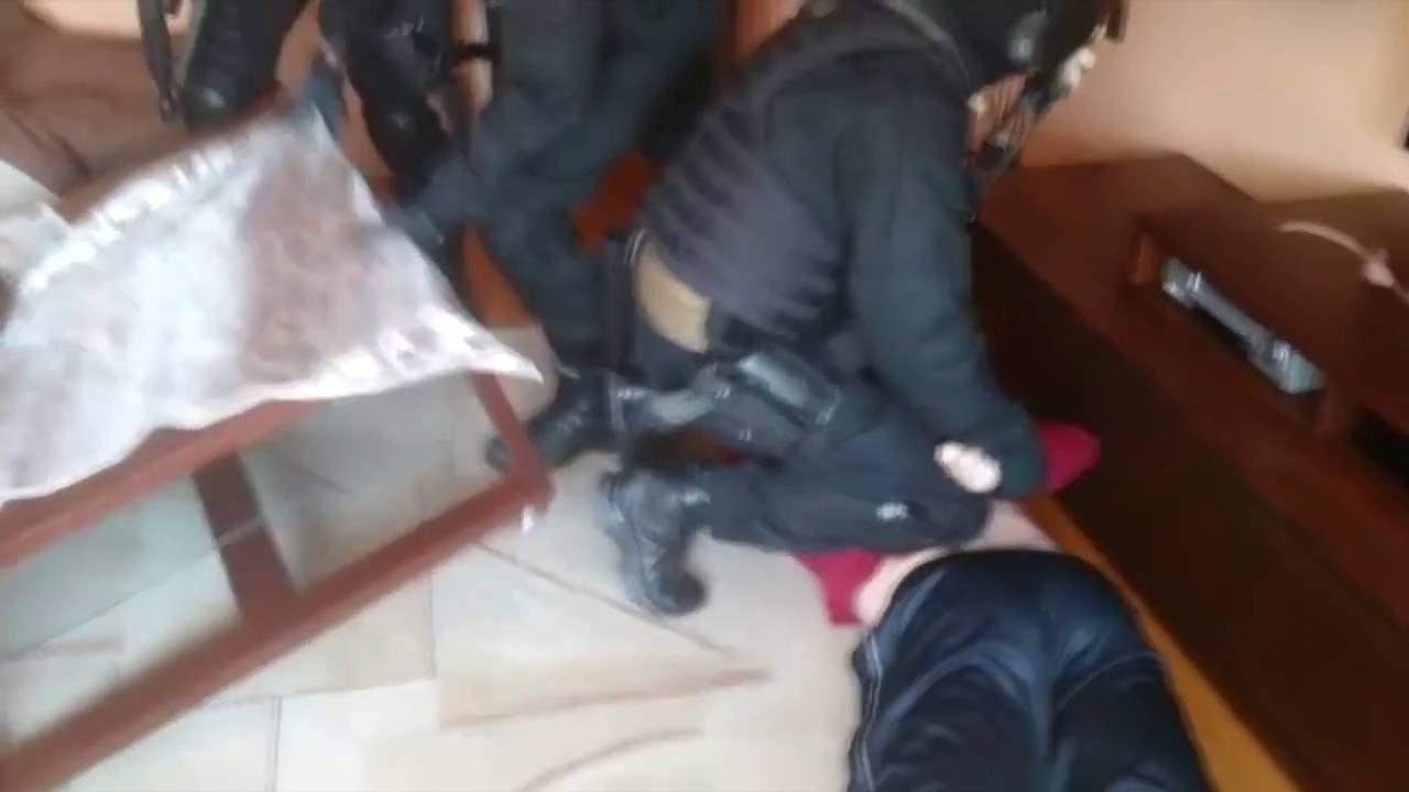 [SZOK][SKANDAL]POLSKA POLICJA BRUTALNIE ZATRZYMUJE WROCŁAWSKIEGO BOMBERA