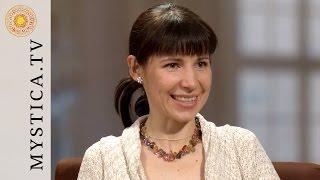 MYSTICA.TV: Claire Seifert - Eine moderne Hexe