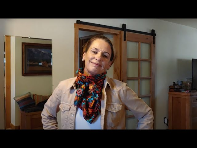 How to Tie Your Scarf: The Square Knot