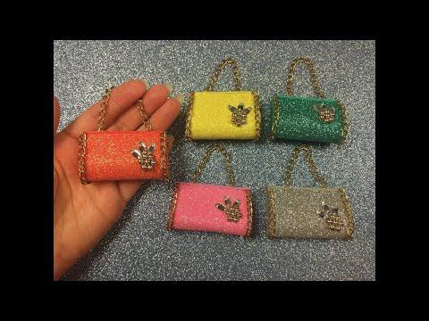 DIY How to make a cute miniature doll purse / Como hacer una Cartera miniatura