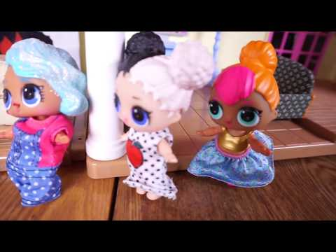 BARBIE & Ken Bring Their Newborn Baby Home To Meet LOL SURPRISE DOLLS And CUTIE Runs Away!