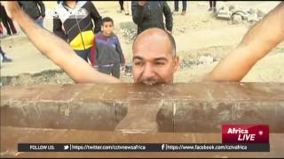 Glass eating Egyptian hopes to hold world record