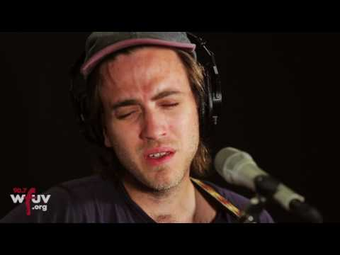 "Andrew Combs - ""Hazel"" (Live at WFUV)"