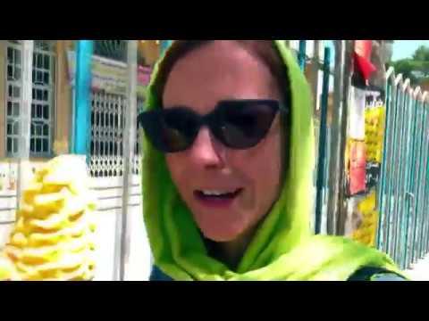 2 American girls travel to Iran