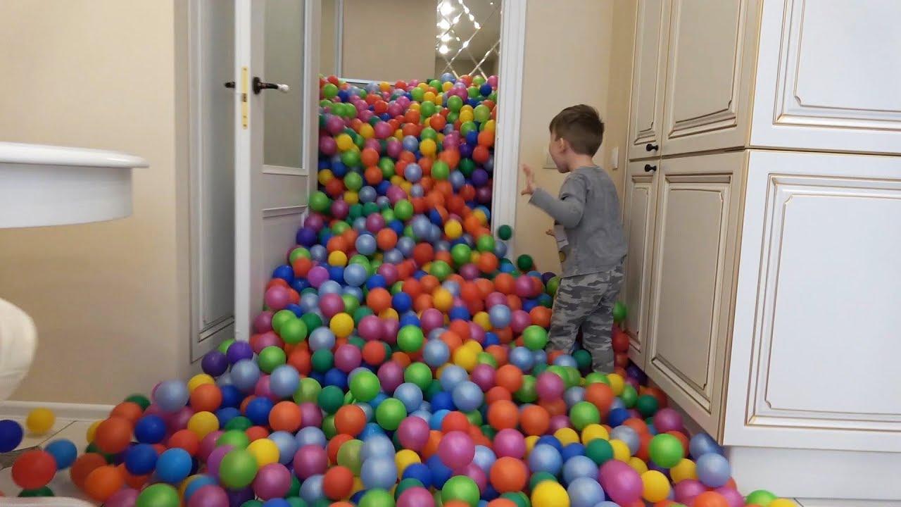 Сеня и 1 МИЛЛИОН Шариков Цветные шарики Везде