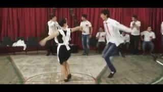 Грузинские танцы! Красивый танец Рачули! Выпускной в школе!