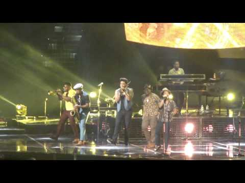 """Bruno Mars """"Treasure"""" Live from Tampa Bay Times Forum 8-28-2013"""