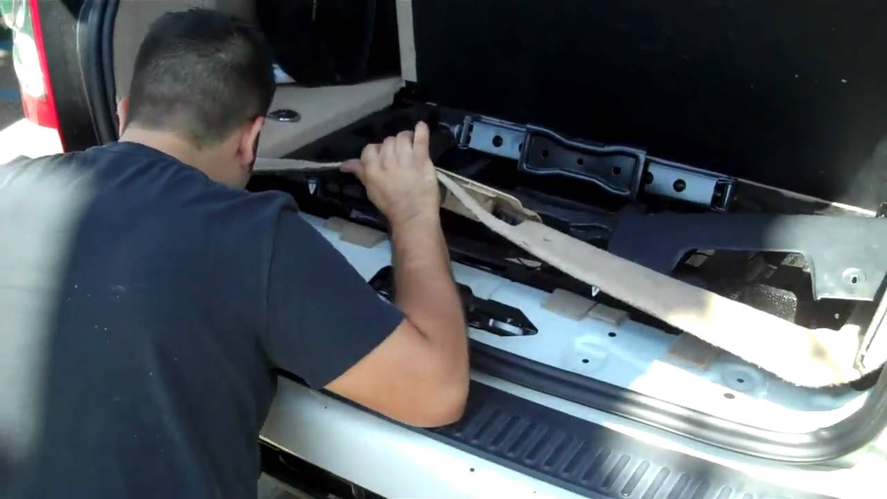 backup camera install in range rover hse by audio 2000 [ 1280 x 720 Pixel ]