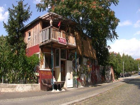 baumhaus selber bauen tooltown heim garten doovi. Black Bedroom Furniture Sets. Home Design Ideas